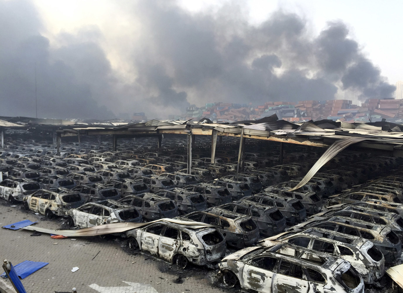At least 44 have been killed and some 500 injured after two blasts rocked the northeastern Chinese city of Tianjin late Wednesday. China, Tianjin, August 13, 2015 © Stringer